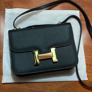 Leather Gold H Crossbody - Black